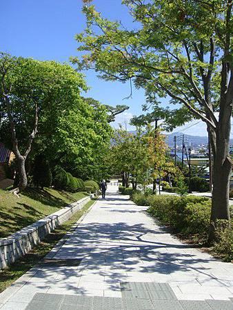 0716123-元町公園旁的坡道.JPG