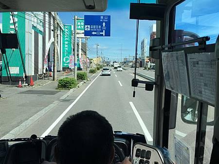 0716289-去機場的路上by Y.JPG