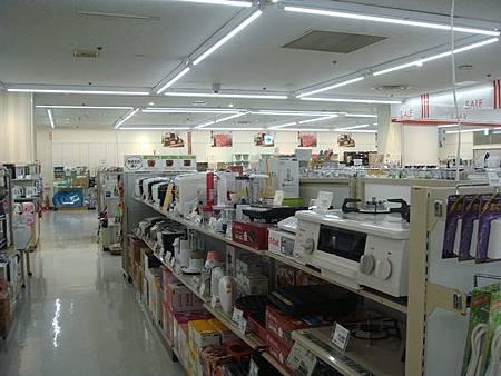 0712249-伊藤洋華堂百貨的家電樓層.JPG
