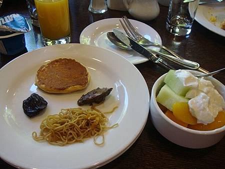 0715002-Sheraton Vancouver Airport Hotel早餐.JPG