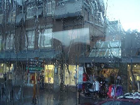 0710109-暴雨中的班夫小鎮.JPG