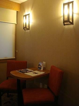 0710222-Ptarmigan Inn 208房.JPG