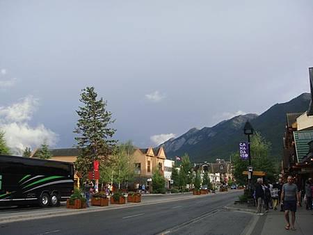0710236-Banff Town.JPG