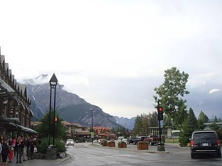 0710239-Banff Town.JPG