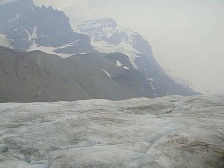 0711244-回程的冰原雪車上.JPG