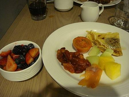 0713017-Alpine Social早餐.JPG