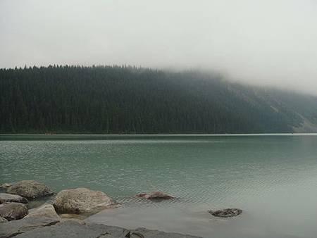 0712024-早晨的露易絲湖.JPG