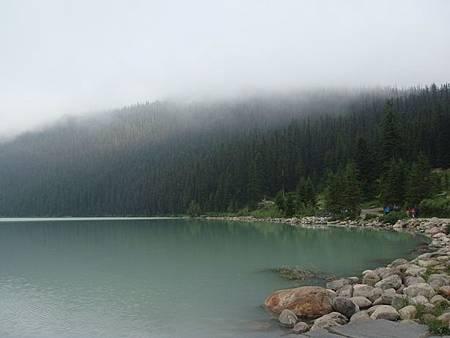 0712023-早晨的露易絲湖.JPG