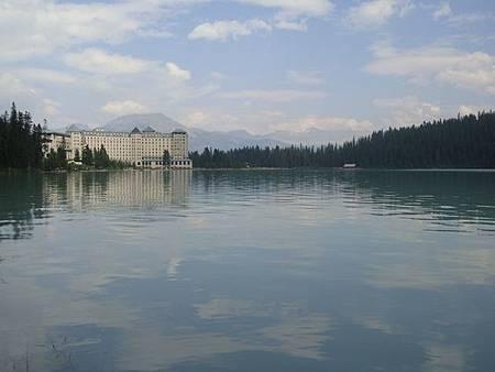 0712336-Lake Louise湖畔健行.JPG