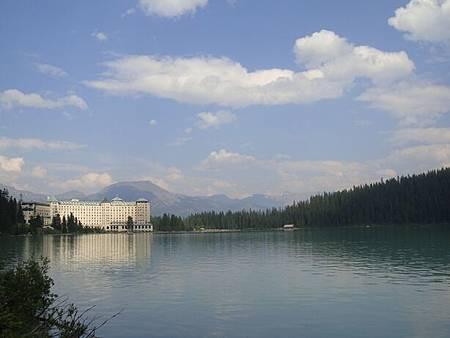0712345-Lake Louise湖畔健行.JPG