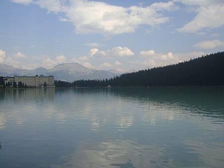 0712347-Lake Louise湖畔健行.JPG