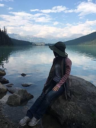 0712364-Lake Louise湖畔健行.JPG