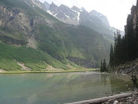 0712365-Lake Louise湖畔健行.JPG
