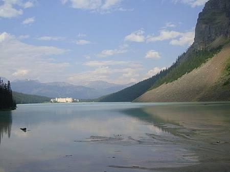 0712380-Lake Louise湖畔健行.JPG