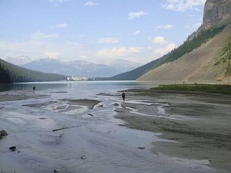 0712387-Lake Louise湖畔健行.JPG