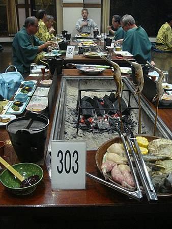 1021207-賑山亭爐端燒.JPG
