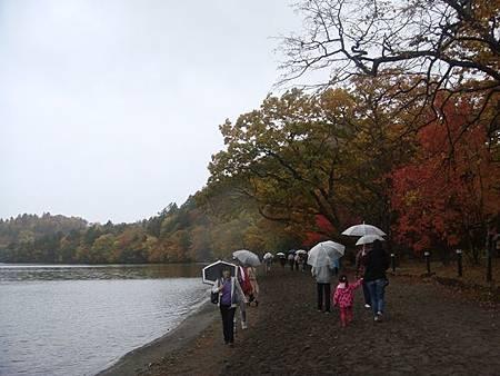 1022304-十和田湖畔.JPG