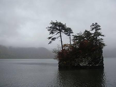1022302-十和田湖畔.JPG