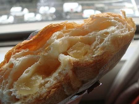 1023001-好吃的超市蘋果麵包.JPG