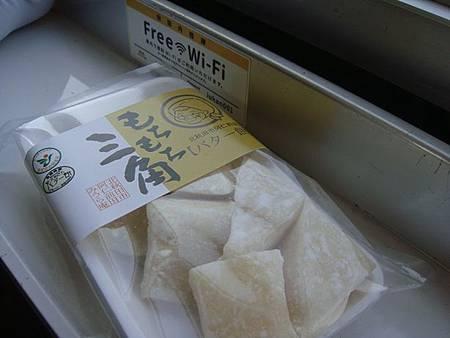 1024102-秋田內陸線名物バター餅(奶油麻糬).JPG
