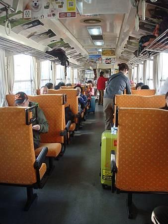 1024074-秋田內陸線車廂內.JPG