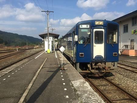 1024254-我在阿仁合駅月台的列車裡.JPG
