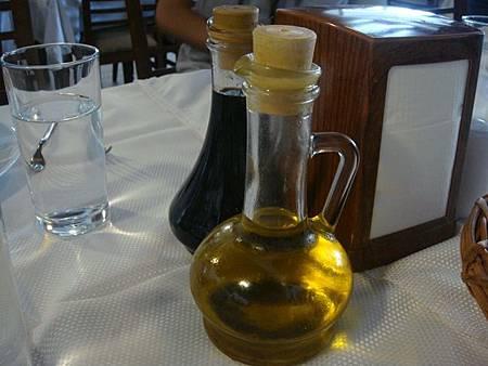 0708120-Lokmahane午餐(橄欖油跟石榴醋).JPG