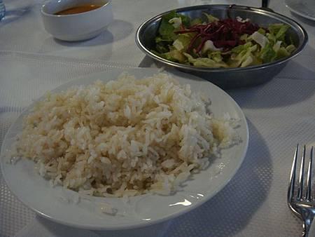 0708127-Lokmahane午餐(超大盤的飯).JPG