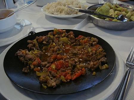 0708132-Lokmahane午餐(很台味的烤牛肉).JPG