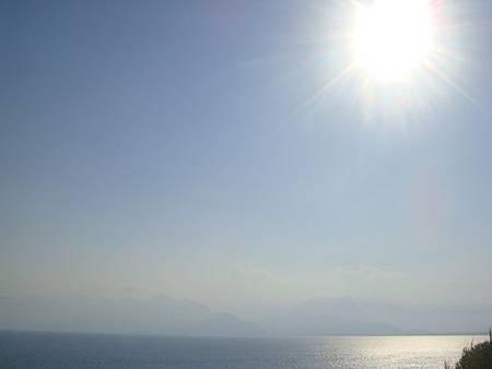 0709467-The Marmara Antalya庭園望向地中海.JPG