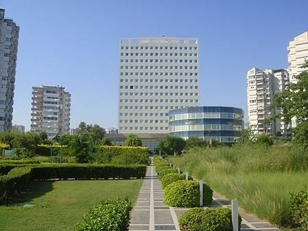 0709468-The Marmara Antalya庭園跟本棟.JPG