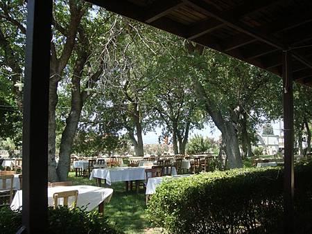 0710092-沒有室內座位的餐廳Afrodisias Restoran.JPG