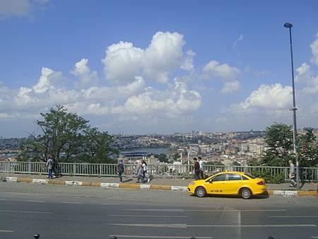 0714054-前往Dolmabahçe Sarayi多瑪巴切皇宮.JPG