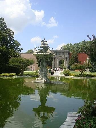 0714113-Dolmabahçe Sarayi多瑪巴切皇宮.JPG