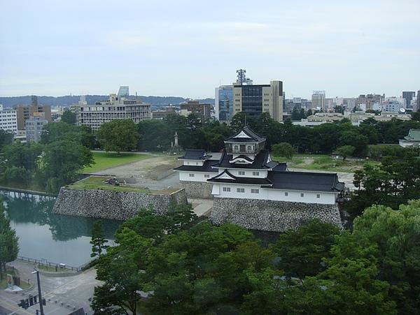 0808001-飯店窗景就是富山城.JPG