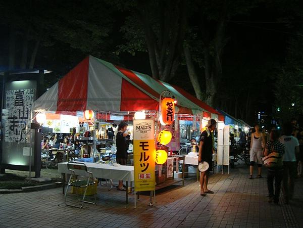 0807350-祭典旁的攤販.JPG