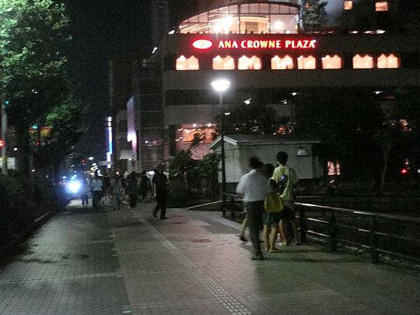 0807364-人潮散去的街道.JPG
