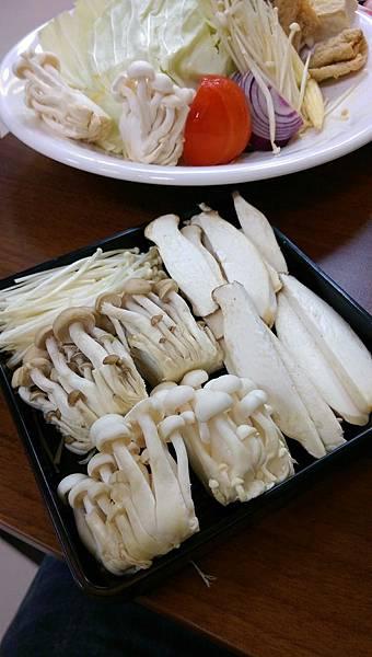 2016.11.2美食案映璇沒來大姐頂替_2976.jpg