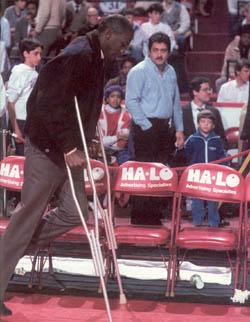 1985-1986_season_broken_ankle.jpg