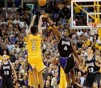 Robert-Horry-s-game-winner-vs-Kings-los-angeles-lakers-8858019-666-579_display_image.jpg