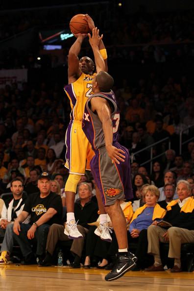 Kobe+Bryant+Grant+Hill+Phoenix+Suns+v+Los+5lb6Ba5gHDsl.jpg