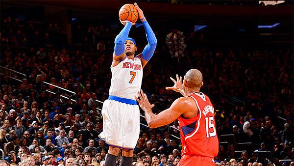 carmelo-anthony-knicks-shooting-3-pointer-over-al-horford-hawks-2013