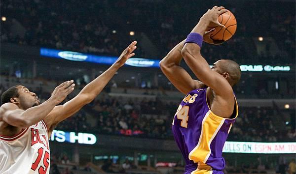 20091215-Lakers-v-Bulls-21_副本