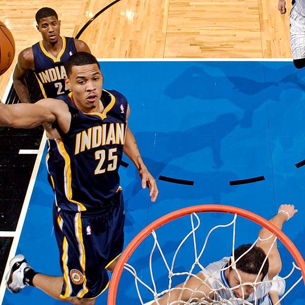 hi-res-154437848-gerald-green-of-the-indiana-pacers-dunks-against-the_crop_exact