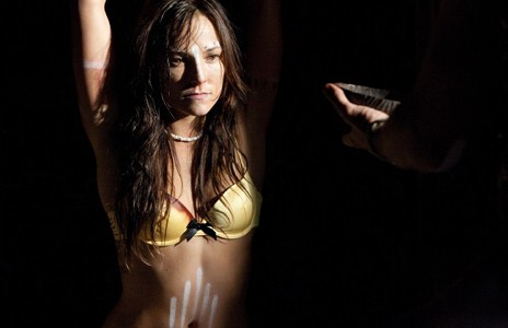 briana-evigab-bikini-abducted1
