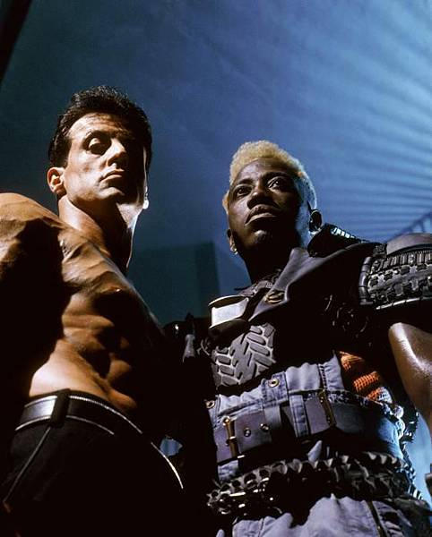 demolition-man-stallone-snipes