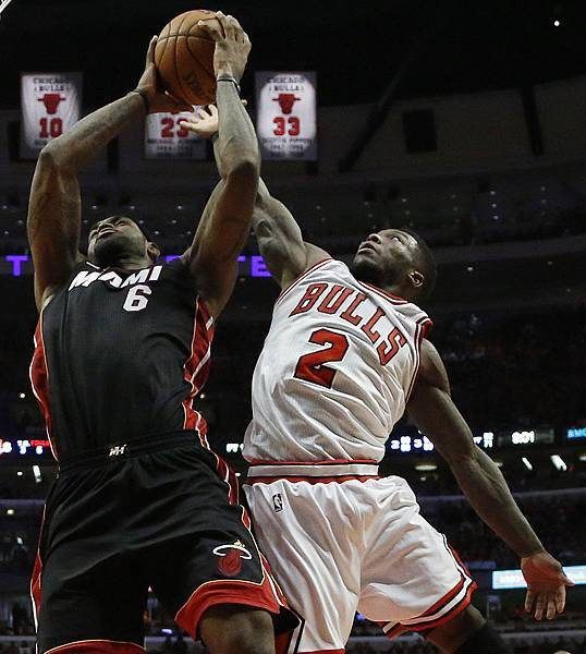Heat_Bulls_Basketball_Spur