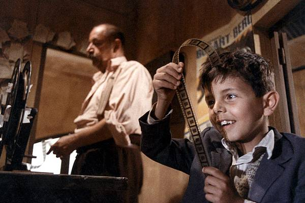 Nuovo_Cinema_Paradiso_(film)