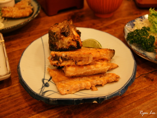 肥前屋-烤鮭魚