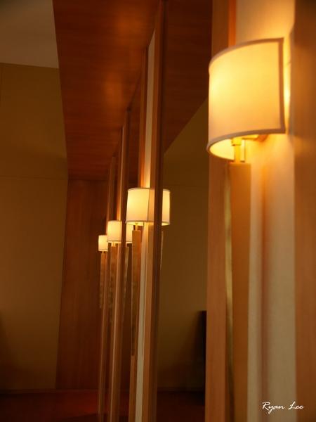 牆上的燈飾